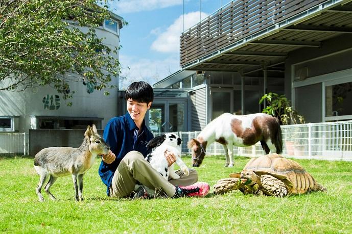 【動物飼育コース】多彩な動物を扱い動物全般を総合的に学び、飼育のプロになる!